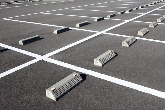 【保存版】バイクは駐車場?駐輪場?どちらに停めればいいの?