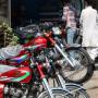 バイク買取専門店と販売店、どちらが高く買取してくれるの?