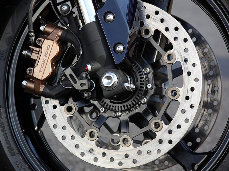ABSが装着されたバイクのホイール