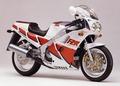ヤマハ FZR750