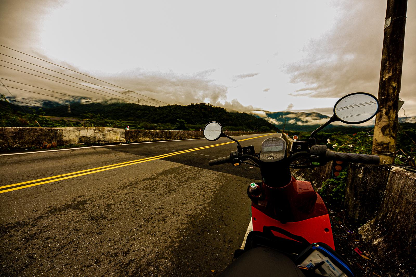バイク 降りる
